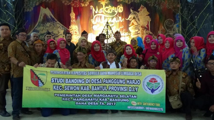 Studi Banding ke Desa Panggungharjo Kec. Bantul - Yogyakarta